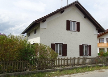 Immobilie Details Haus mit Charme! Freistehendes Einfamilienhaus mit Nebengebäude in Eberfing
