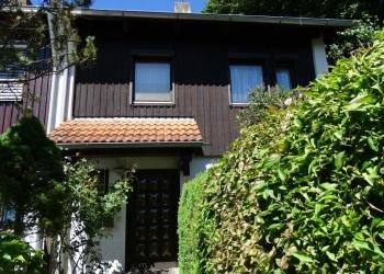 Immobilie Details Ein Paradies für die Familie: solides Reiheneckhaus in bevorzugter Wohnlage von Weilheim