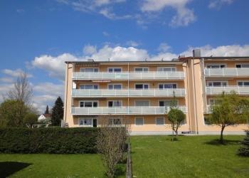 Immobilie Details Gut angelegt – großzügige 2-Zimmer-Wohnung mit Südwestbalkon in Weilheim