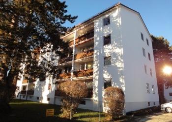 Immobilie Details Gut angelegt – helle 3-Zimmer-Wohnung im 3.OG mit Südbalkon und Bergblick in Weilheim