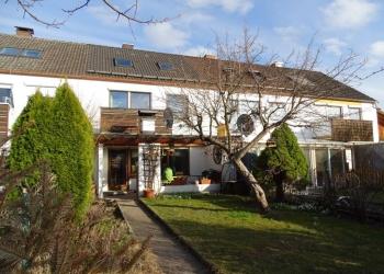 Immobilie Details Heute schon an Morgen denken – klassisches Reihenhaus in Weilheim, noch 5 Jahre vermietet!