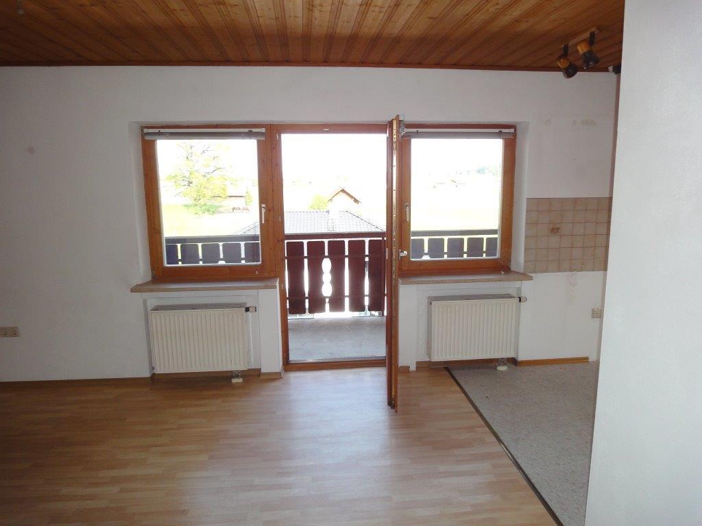 DG Wohnzimmer Balkon Bild 2