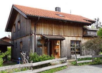 Immobilie Details Wohnen und leben in Holz – freistehendes Blockhaus in Oberhausen zur Kapitalanlage