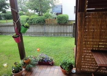 Terrasse und eigener kleiner Garten