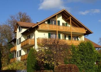 Immobilie Details Willkommen in Weilheim: gemütliche 2-Zimmer-Wohnung mit EBK und zwei Balkonen!
