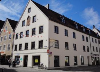 Immobilie Details Weilheim: Beste Voraussetzungen für gute Geschäfte – ansprechender Laden/Gewerberäume mitten in der Stadt!
